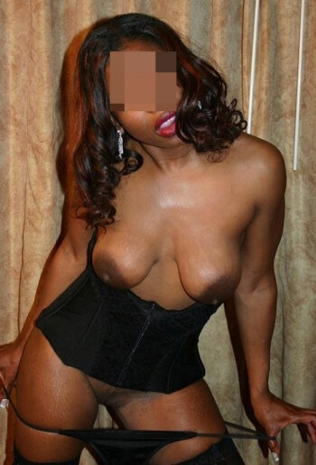 Femme black sur Brive-la-Gaillarde qui adore la fellation baveuse