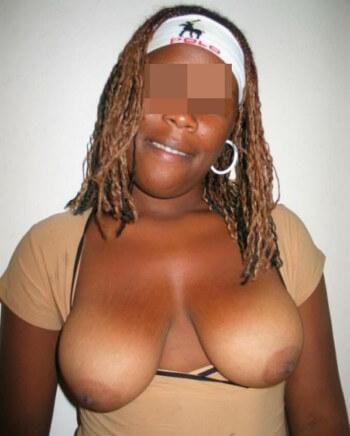 Belle femme célibataire souhaiterait un pénis bien épais à pomper à Paris